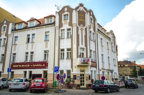 . Hotel U Divadla