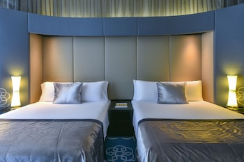 Fabulous Room, Deluxe Room, 2 Double Beds, Non Smoking, City View