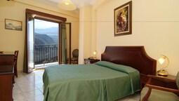 Hermes Delphi Hotel