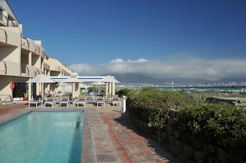 Leisure Bay Luxury Suites