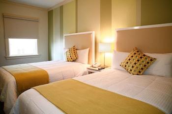 Hotel - Cadillac Hotel