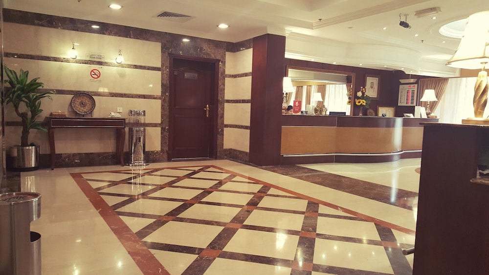 Hotel : Interior Entrance 2 of 40