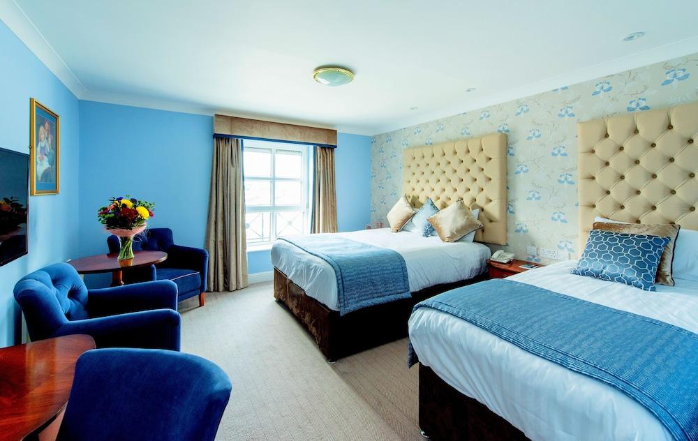 https://i.travelapi.com/hotels/2000000/1920000/1914500/1914432/c62ea1e5_z.jpg