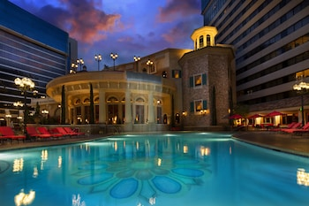 Hotel - Peppermill Resort Spa Casino