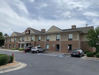 Hotel - Amelia Inn & Suites