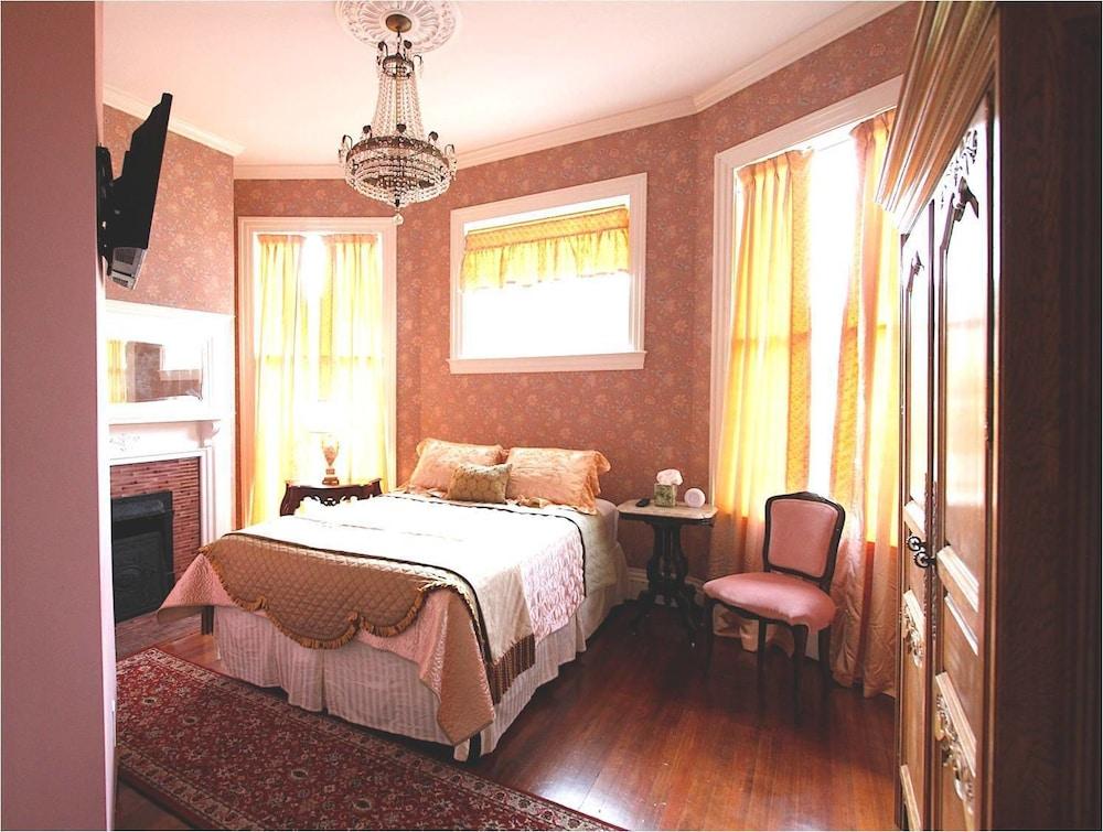 Romantic Double Room, Ensuite (Rose Room)