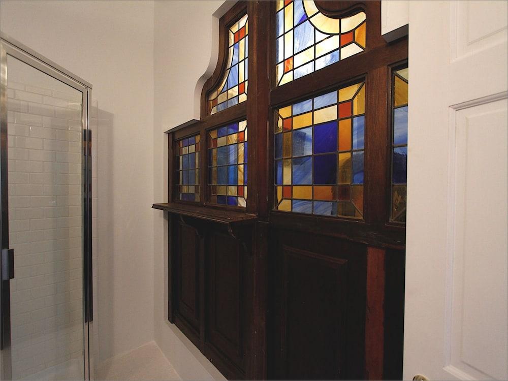 Standard Double Room, Ensuite (Periwinkle Room)