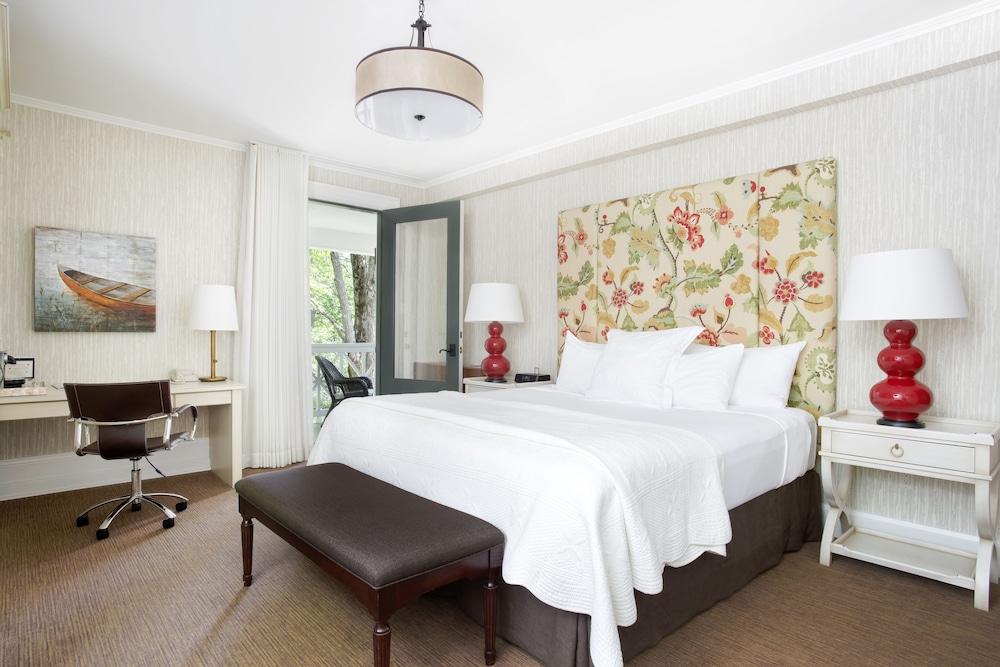 https://i.travelapi.com/hotels/2000000/1920000/1916400/1916301/93bb6ddb_z.jpg