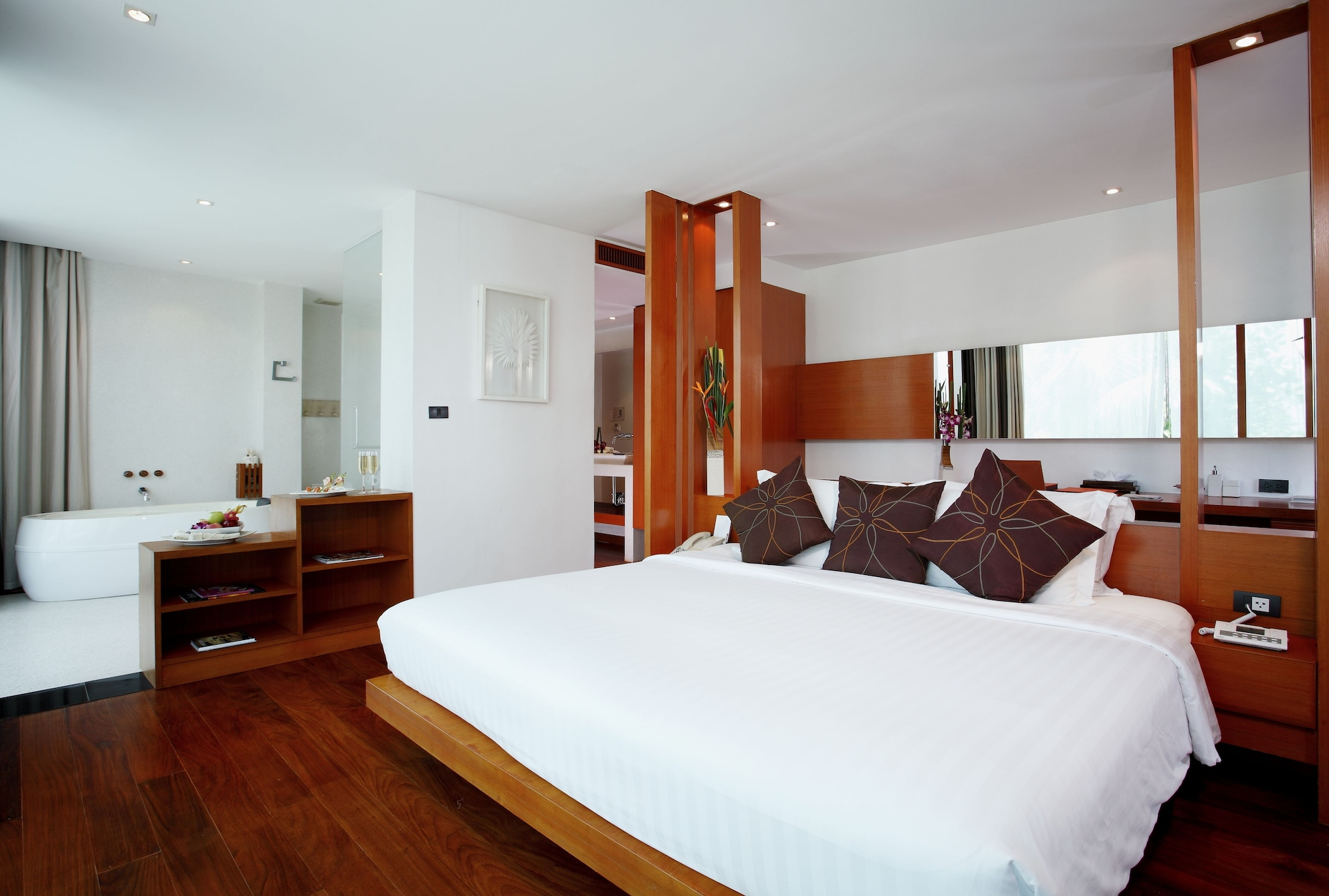 Suite, 1 Bedroom, Sea View (Free Daily Minibar)