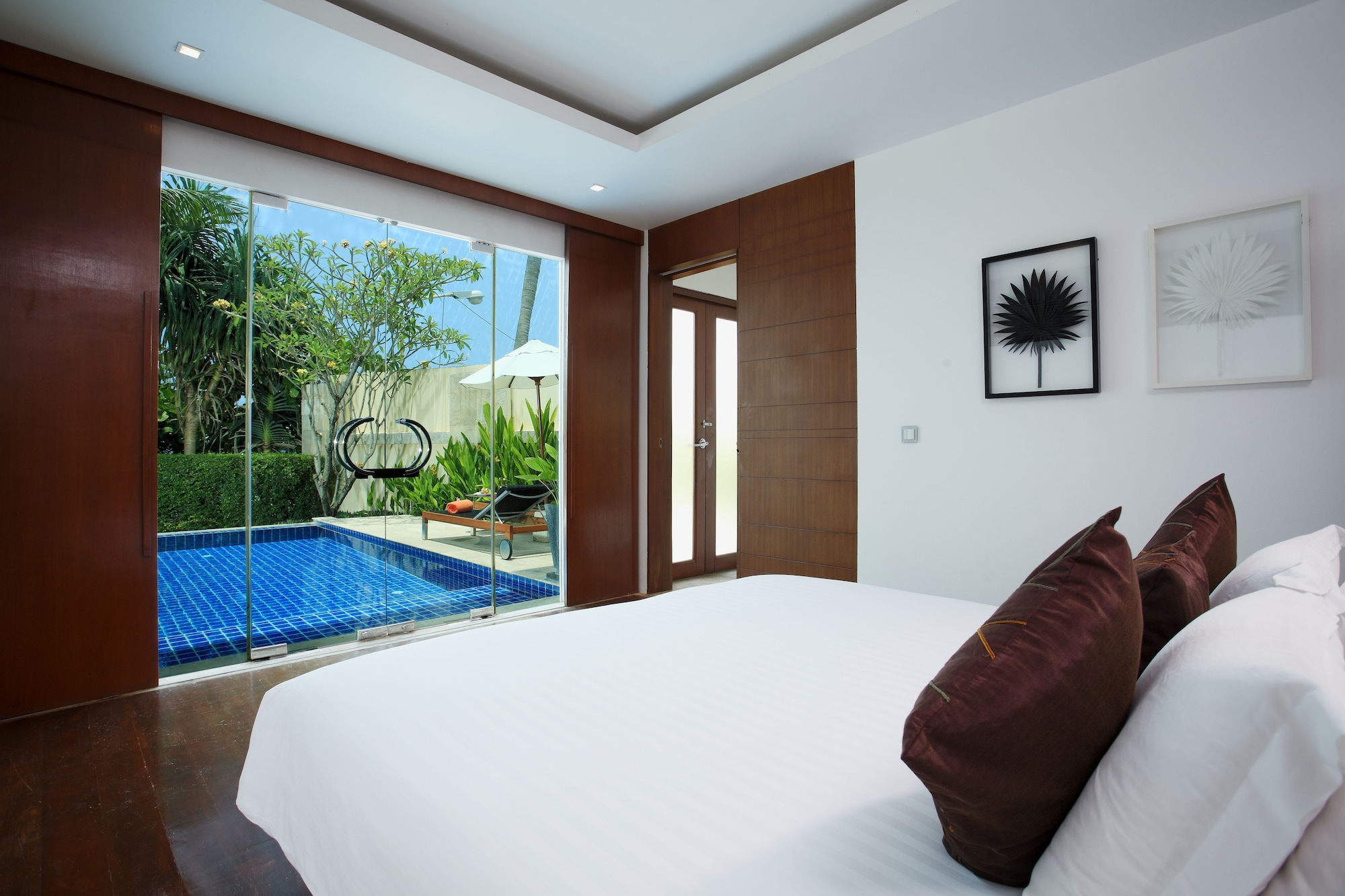 Beachfront Pool Villa - Free Daily Minibar