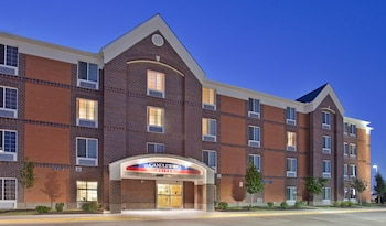 奧拉西蠟木套房飯店 Candlewood Suites Olathe, an IHG Hotel