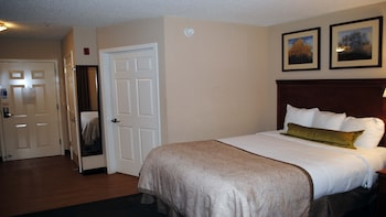 Studio Suite, 1 Queen Bed, Accessible, Bathtub (Mobility)