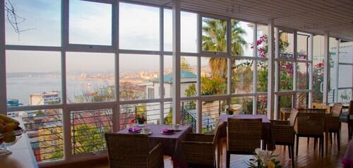 Zero Hotel, Valparaíso