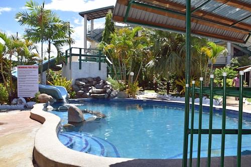 . Grand Melanesian Hotel