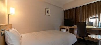 ダブルルーム ダブルベッド 1 台|ダイワロイネットホテル 秋田