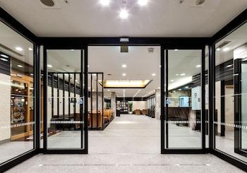 DAIWA ROYNET HOTEL KOBE-SANNOMIYA Property Entrance