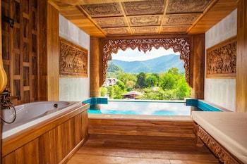 Grand Pool Suite Water View