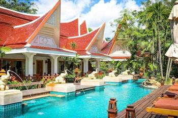 Villa Pool Access