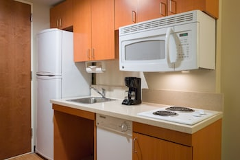 Studio Suite, 1 Queen Bed, Accessible, Non Smoking (Hearing, Roll-In Shower)