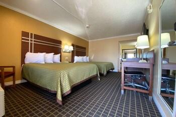 Room, 2 Queen Beds, Accessible, Non Smoking