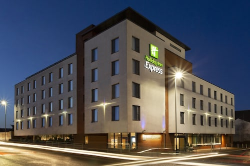 . Holiday Inn Express Cheltenham