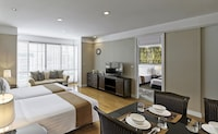 One Bedroom Grand Suite with 2 extra beds