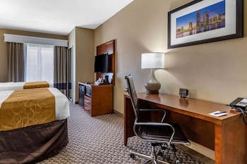Suite, Multiple Beds, Accessible, Non Smoking (2 Queen and 2 Person Sofa Bed)
