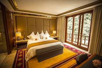 Premium Suite, 1 King Bed, River View