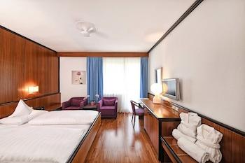 Tek Büyük Veya İki Ayrı Yataklı Oda, Balkon (south Side)