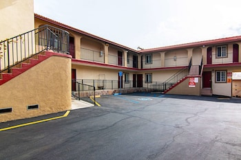 Hotel - Econo Lodge Long Beach I-405
