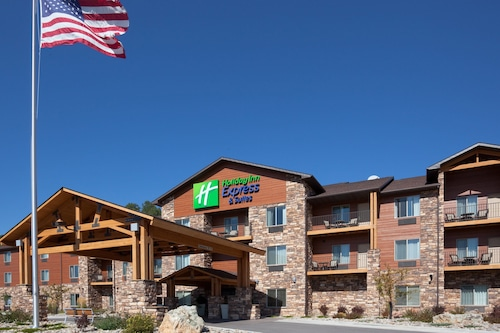 . Holiday Inn Express Hotel & Suites Custer