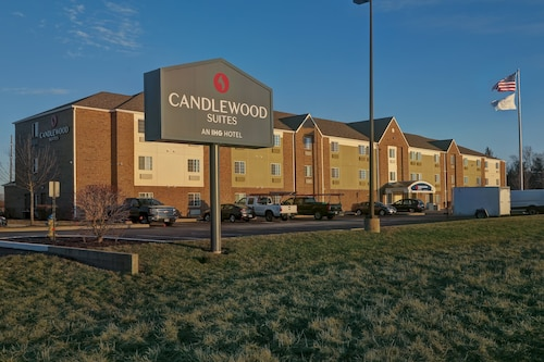 . Candlewood Suites Indianapolis - South