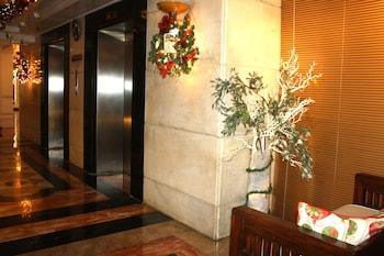 The Perla Hotel Makati Lobby