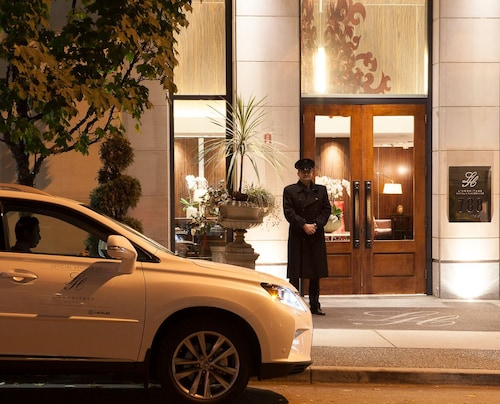 L'Hermitage Hotel, Greater Vancouver