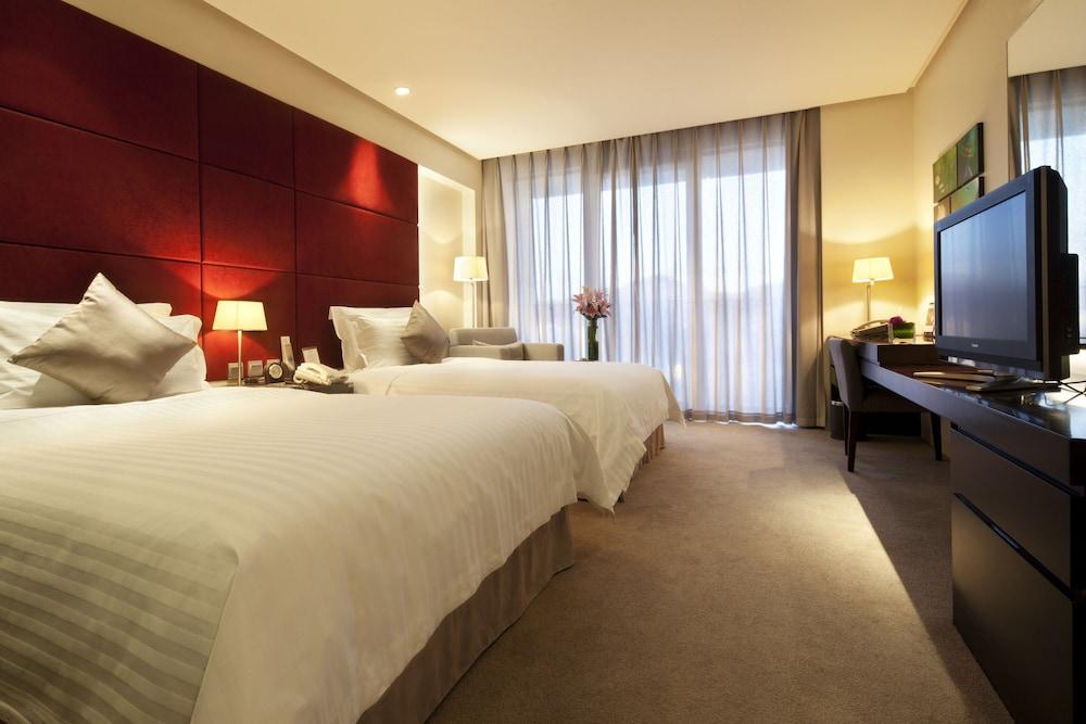 ハワード ジョンソン パークランド ホテル