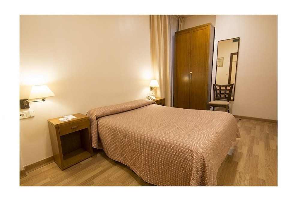 Hotel Interior : Economy Double Room, Ground Floor (Next to reception and lift) 26 of 59