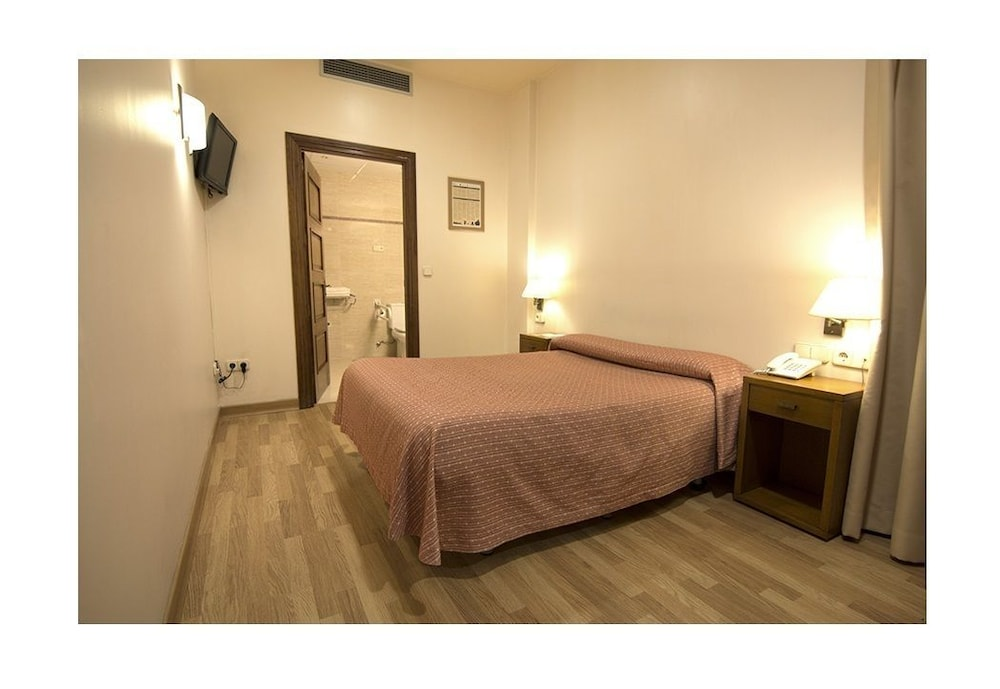 Hotel Interior : Economy Double Room, Ground Floor (Next to reception and lift) 28 of 59