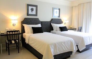 Deluxe Room (Free Minibar-Daily Refill)