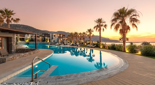 . Ikaros Beach Resort & Spa