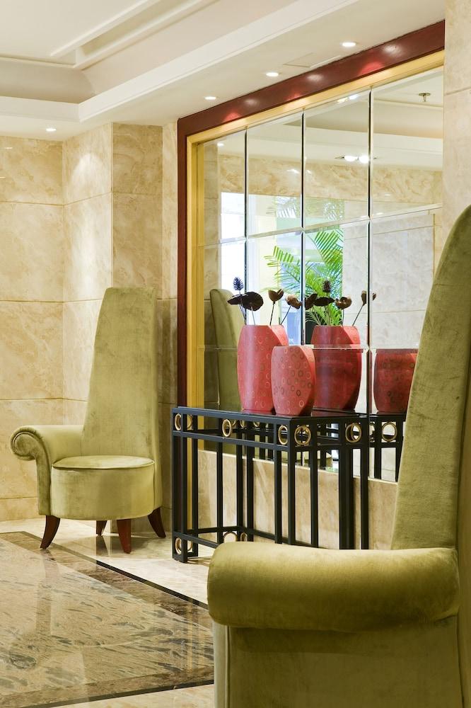 머큐어 온 렌민 스퀘어 시안(Mercure on Renmin Square Xian) Hotel Image 2 - Lobby Sitting Area