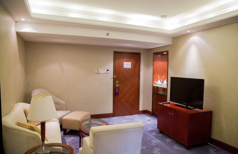 머큐어 온 렌민 스퀘어 시안(Mercure on Renmin Square Xian) Hotel Image 16 - Living Area