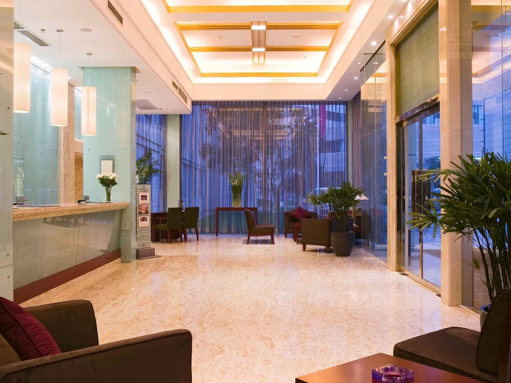 머큐어 온 렌민 스퀘어 시안(Mercure on Renmin Square Xian) Hotel Image 1 - Lobby