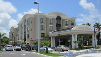 Hotel - Holiday Inn Express & Suites Tampa USF Busch Gardens