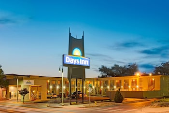 Days Inn Albuquerque Downtown 8 2 Miles From Balloon Fiesta Park