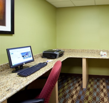 Hotel - Holiday Inn Express & Suites - Thornburg, S. Fredericksburg