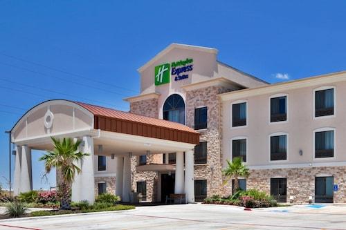 . Holiday Inn Express & Suites Austin NE - Hutto, an IHG Hotel