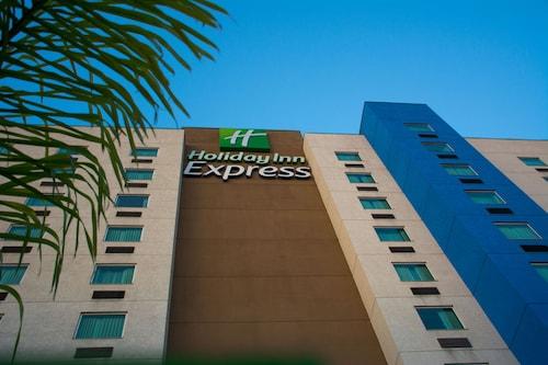 . Holiday Inn Express Saltillo Zona Aeropuerto, an IHG Hotel