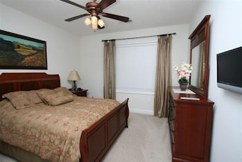 Havens #1122 - 3 Br condo by RedAwning