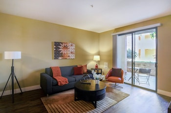 Bridgepointe #H143 - 1 Br apts by RedAwning