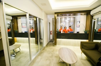 TRAVELITE EXPRESS HOTEL Reception